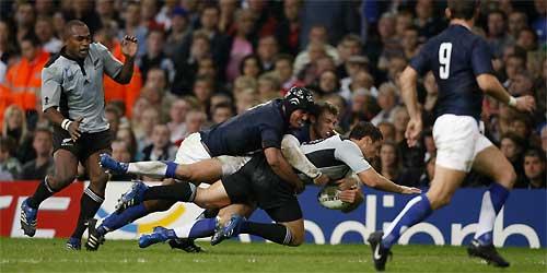 2007 : les Français tapent les Blacks à Cardiff